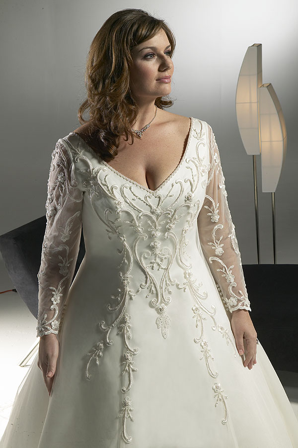 108157-plus-size-wedding-dresses-2