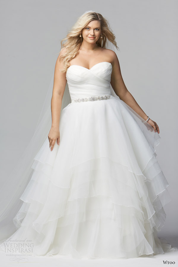 wtoo-brides-curve-spring-2014-strapless-plus-sized-wedding-dress-style-12011-cecilia
