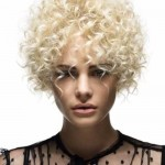 Short-Blonde-Curly-Hairstyles-for-Round-Faces