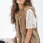 black-slash-taupe-forever21-shaggy-faux-fur-vest-screen